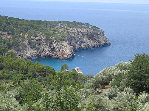 Malerische Bucht im Nordwesten Mallorcas