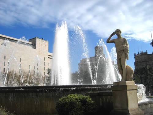 Am nächsten Morgen genießen wir das gute Wetter in Barcelona.