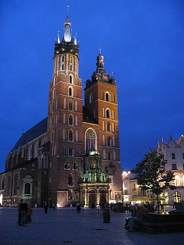 Die Marienkirche am Abend