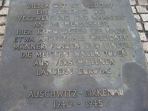 Gedenktafel im Konzentrationslager