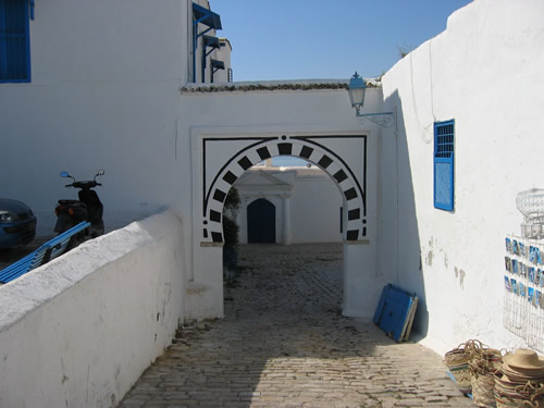 IN Sidi Bou Saïd merkt man, dass man im Orient angekommen ist