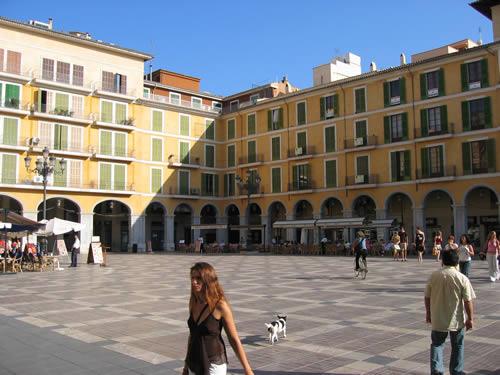 Auf der Plaza Major im Herzen Palmas