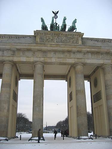 Das Brandenburger Tor stand zu Zeiten der Teilung der Stadt stand es im Niemandsland