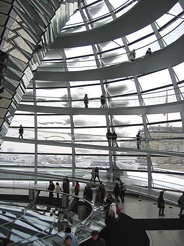 Die Kuppel des Berliner Reichstags ist begehbar