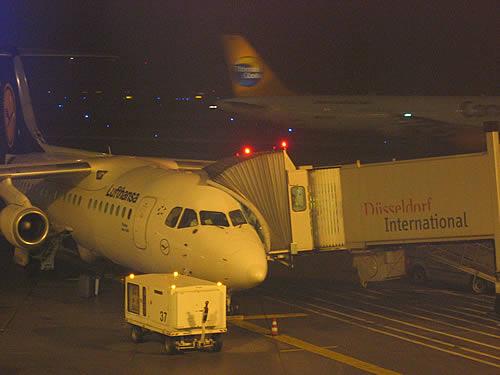 Mit Lufthansa fliege ich mit Verspätung von Düsseldorf nach München ...