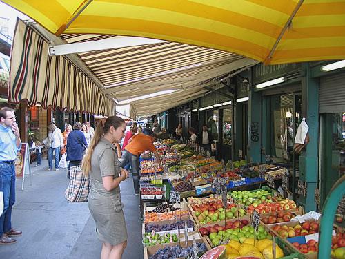 Einkaufen auf dem Naschmarkt