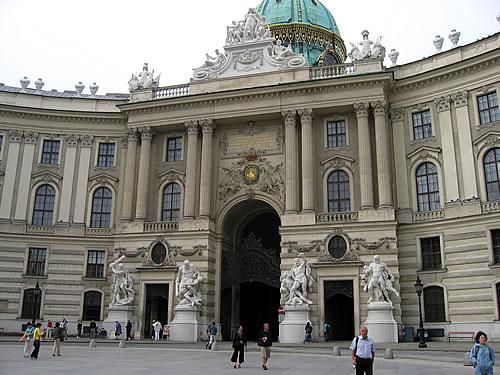 Die Wiener Hofburg - über 600 Jahre war sie Residenz der Habsburger