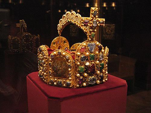 Die Krone der Kaiser des 1.000-jährigen Heiligen Römischen Reiches Deutscher Nationen