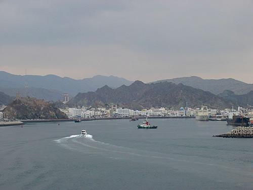 Wir erreichen den Hafen von Muscat