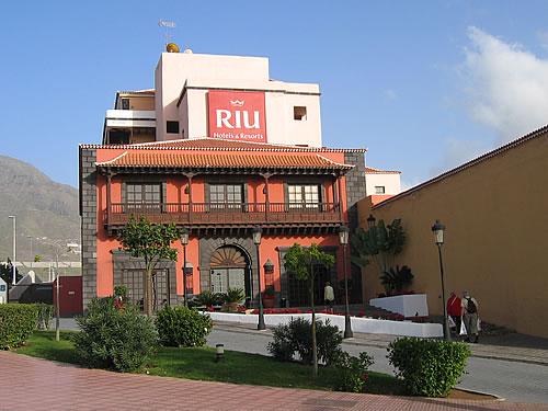 zu unserem Riu-Hotel