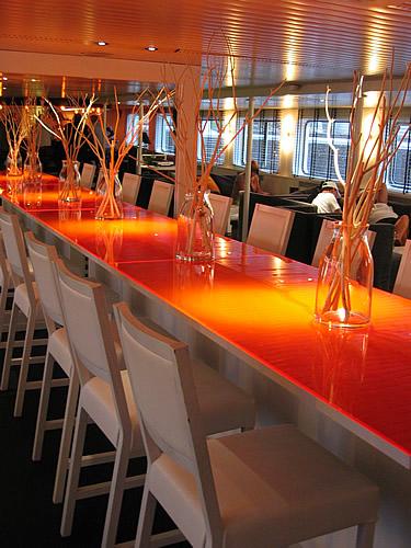 "Das Restaurant ""World Café"" der easyCruiseTwo"