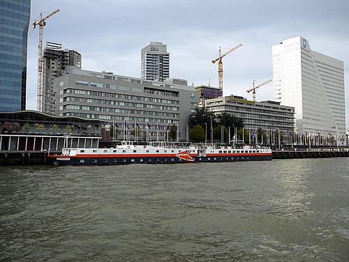 Die easyCruiseTwo in Rotterdam