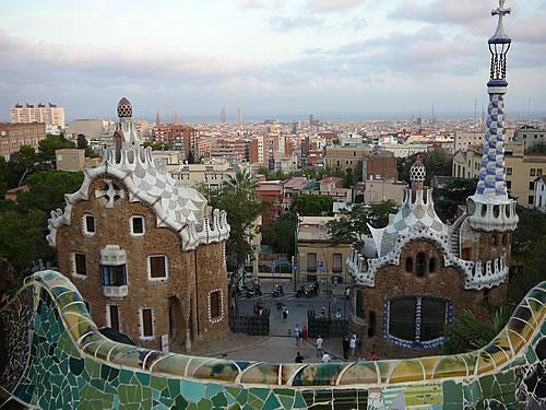 Blick vom Parc Güell aus auf Barcelona