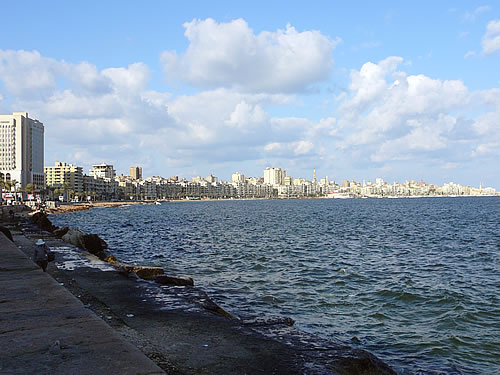 Die Corniche (Hafenpromenade) von Alexandria