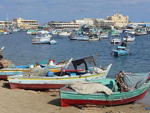 Alexandria ist eine typische Hafenstadt