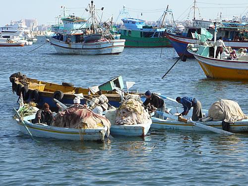 Fischer machen ihre Boote einsatzbereit