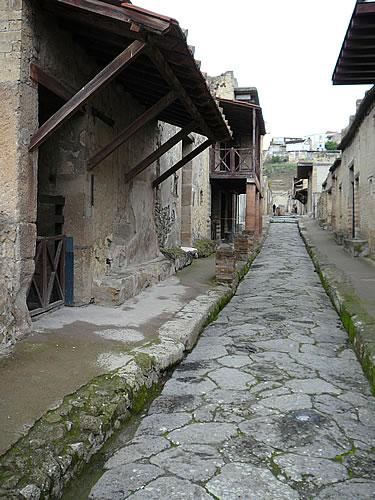 Straßenzug im römischen Herculaneum