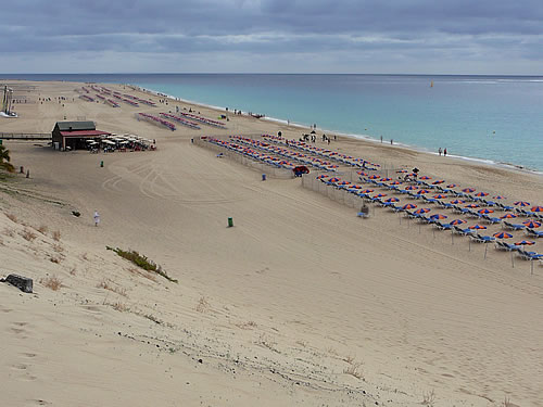 Aussicht auf den Strand vor Morro Jable im Süden von Fuerteventura
