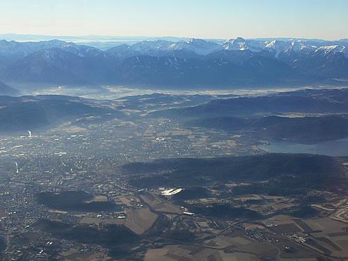 Klagenfurt vom Flugzeug aus