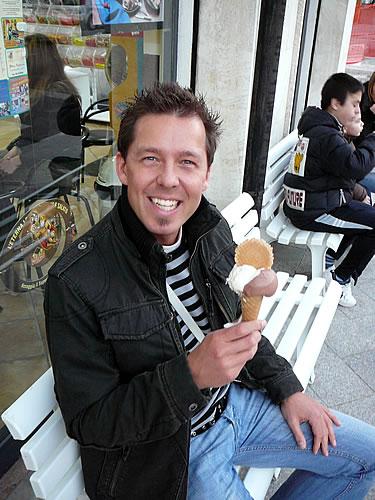 gönnen wir uns in Olbia ein italienisches Eis