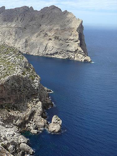 Klippen an der Westküste Mallorcas