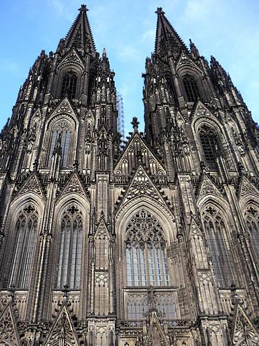 Die Westfassade des Kölner Doms