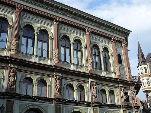 Doch die gesamte Altstadt ist voll gestopft mit den prachtvollsten Bauwerken