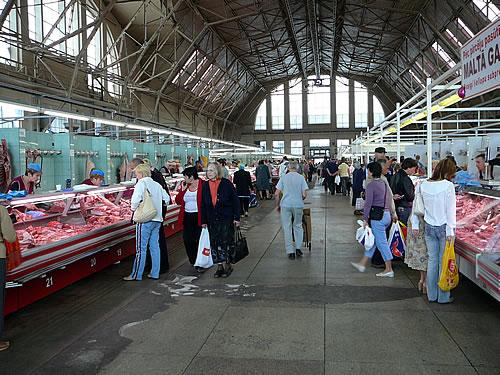 Auf dem Markt von Lettlands Hauptstadt Riga