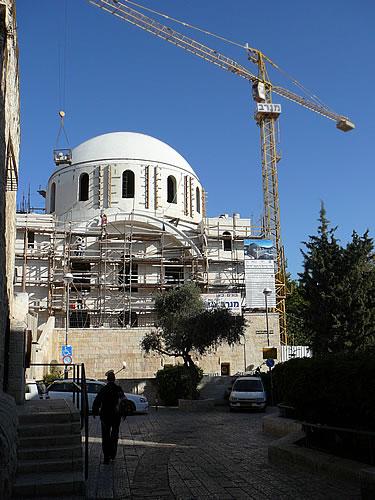 Synagoge die gerade im jüdischen Viertel von Jerusalem neu gebaut wird
