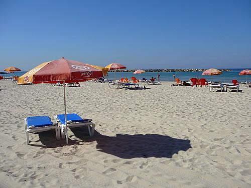 Am Sandstrand von Tel Aviv