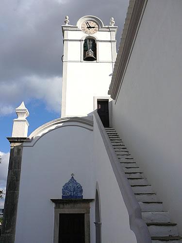 Seitenflügel einer Kirche in Portugal
