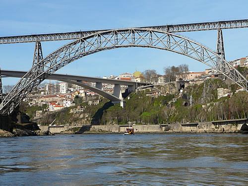 Brücken über dem Douro