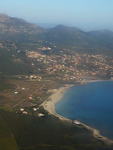 Die Costa Smeralda vom Flugzeug aus gesehen