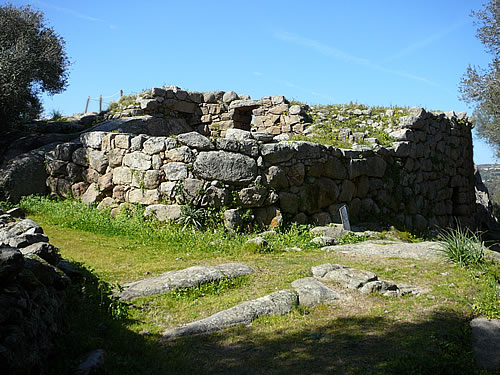 Überreste des Nuraghen Albuccio