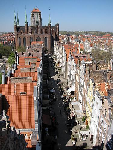 Blick vom Observationsturm des Frauentors über die Frauengasse zur Marienkirche