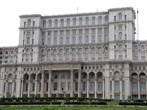 Der zweitgrößte Profanbau der Welt: das Haus des Parlaments