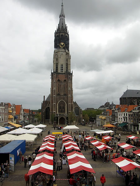 Blick über den Marktplatz auf die Nieuwe Kerk