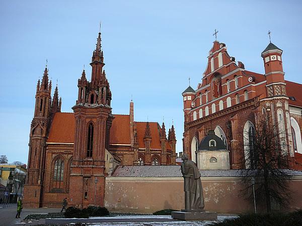 Die St.-Anna-Kirche und das Bernhardiner-Kloster