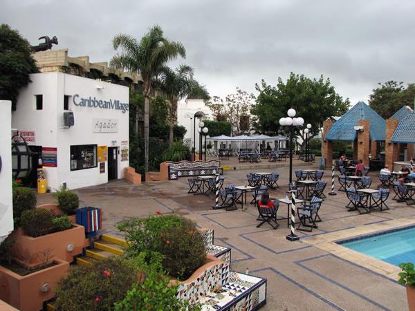 Das Gelände des Caribbean Village besteht aus drei zusammengehörenden Hotels