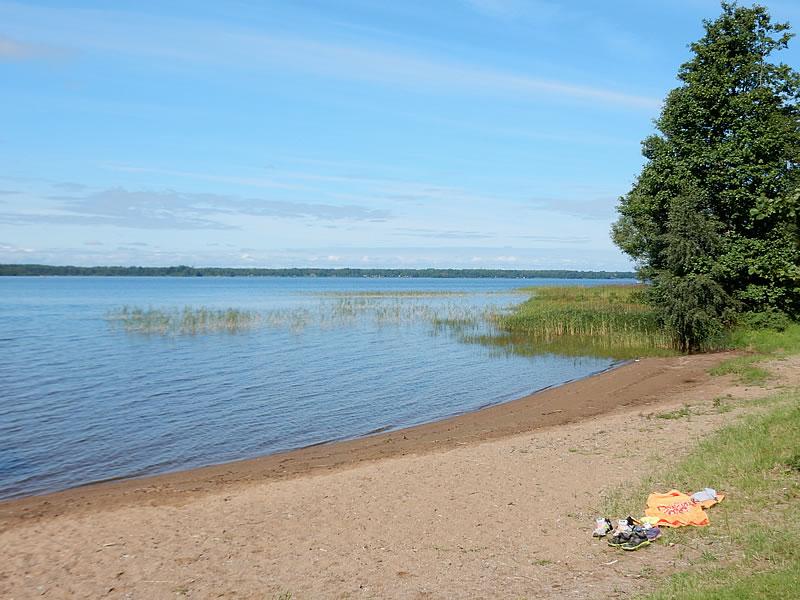 Am letzten Vormittag unseres Kurztrips entspannen wir nochmal am Seeufer