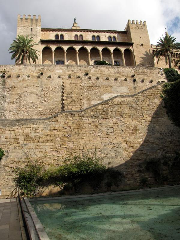 Blick auf den Königspalast Palacio de la Almudaina