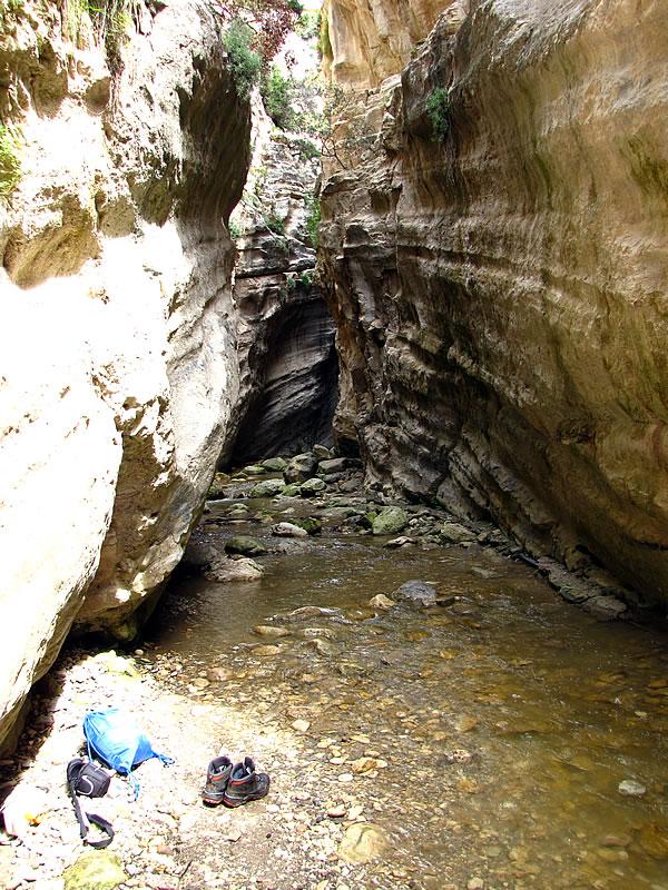 Die Akamas-Schlucht ist teilweise nur 4 Meter breit